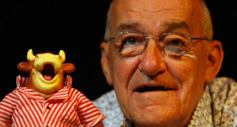 Умер британский комик Джим Боуен
