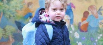 Королевский двор показал фото очаровательного принца Джорджа
