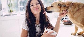 Руслана поделилась умилительными фото с домашним любимцем