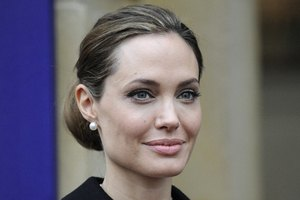 Анджелина Джоли попала в аварию