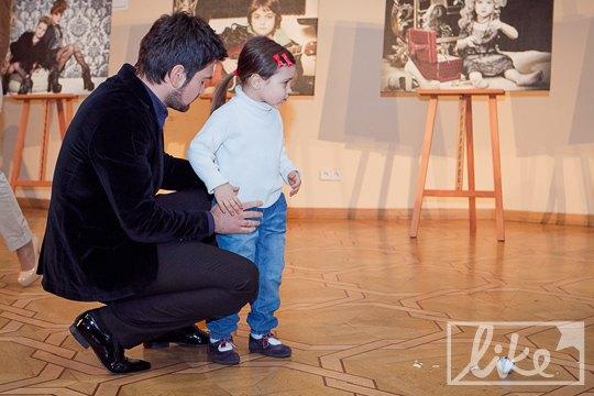 Певец Василий Бондарчук с дочкой Арианой-Селестой