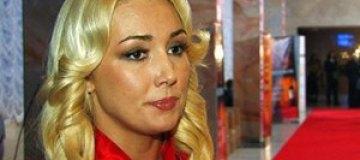 Ревнивый Мельниченко перенес свадьбу с Розинской