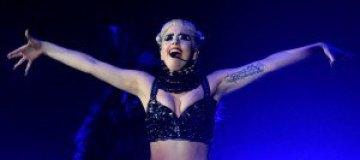 """Леди Гага спела для жертв урагана """"Сэнди"""""""
