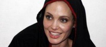 Джоли заразилась гепатитом, когда принимала героин, - СМИ