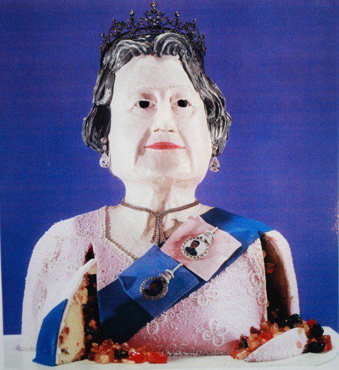 Торт в виде королевы Елизаветы II