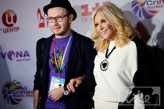 Таисия Повалий с сыном Денисом