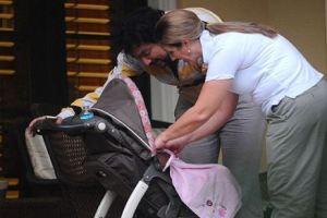 Киркоров в Майами гуляет с трехмесячной дочкой