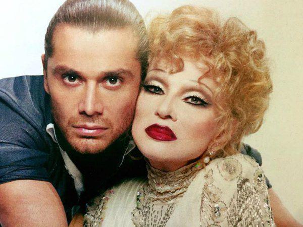 Это фото Асхадова с Гурченко и сейчас на первом месте на странице стилиста в соцсети