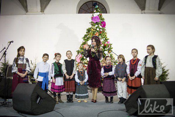 Детский концерт под руководством Анжелики Рудникцкой
