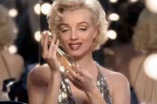 """Привлекли"" к участию в съемках и секс-символа 50-х - Мэрилин Монро"