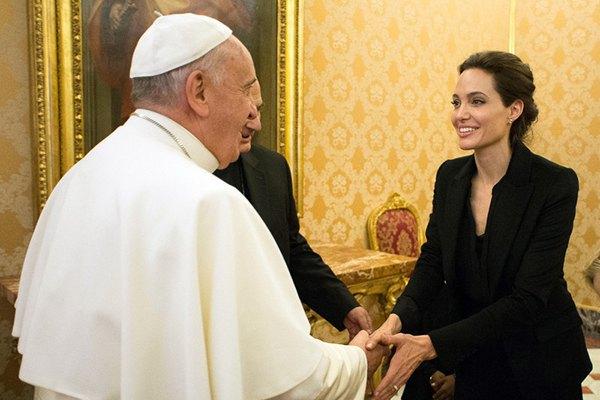 Анджелина Джоли, Папа Римский