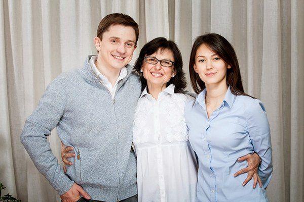 Олесь Довгий, Ирина Горина, Катя Горина