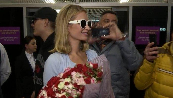 Пэрис Хилтон прилетела в Украину