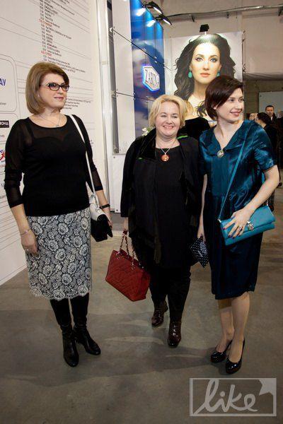 Супруга Анатолия Кинаха Марина (слева), пресс-секретарь Виктора Ющенко Ирина Ванникова (справа)