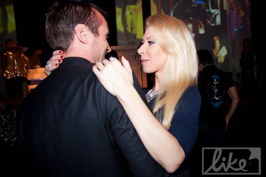 Но танцевала Громова с другим мужчиной