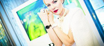 Рената Литвинова снялась топлесс для обложки