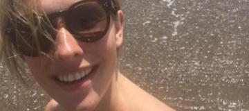 Стройная Катя Осадчая похвасталась фигурой в бикини после родов