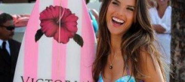 Алессандра Амбросио открыла бутик на Гавайях