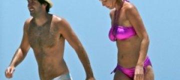 Кэтрин Хейгл показала целлюлит на пляже