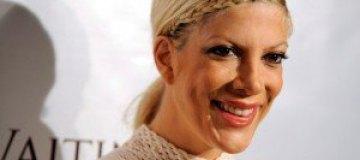 Молодую маму Тори Спеллинг увезли в больницу с осложнениями