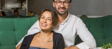 Девушка Сергея Лещенко призналась, сколько зарабатывает и почему не стала совладельцем их новой квартиры