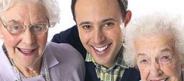 Двух пенсионерок наградили за лучшую развлекательную радиопередачу