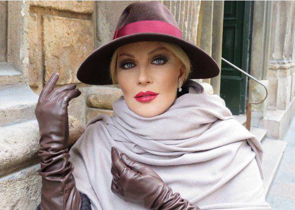 День рождения Повалий отметила, покупая шляпки в Милане