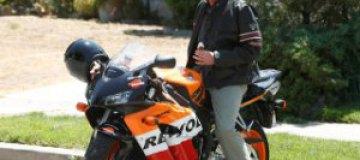 Хью Лори в Киеве предложат три мотоцикла