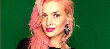 """Экс-""""ВИА Гра"""" Котова окрасила волосы в розовый цвет"""