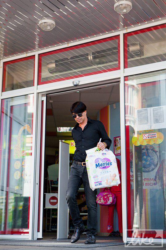 Валид Арфуш скупился в детском магазине