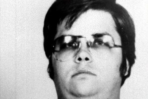 Убийца Джона Леннона в седьмой раз просит о помиловании