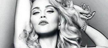 Мадонна оголилась ради рекламы нового парфюма