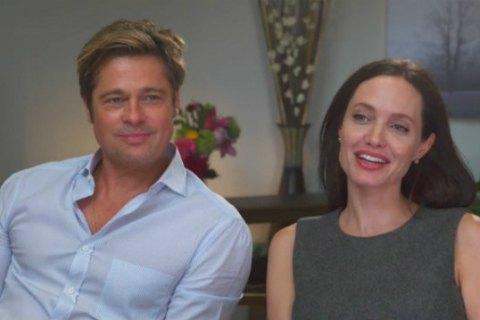 Анджелина Джоли и Брэд Питт начали общаться