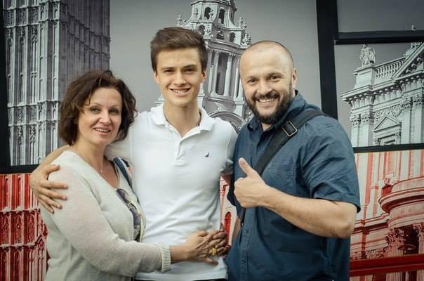 Макар Тихомиров с родителями
