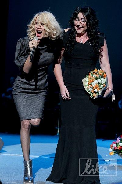 """Лобода: """"Великая женщина! Женщина - легенда!"""". Лолита: """"Вот что значит молодая подруга. Уже похоронила! Люблю тебя!"""""""