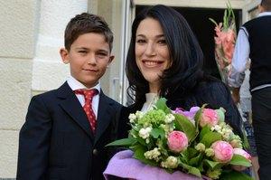 Виктория Джарты отвела сына в школу