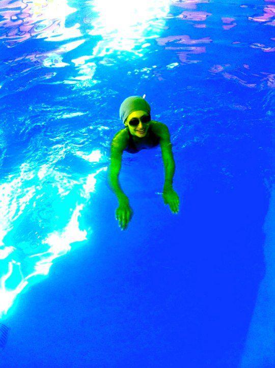 Певица плавала в море, оздоравливалась в SPA, ходила в бассейн