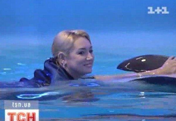 Наталья в бассейне почувствовала наслаждение