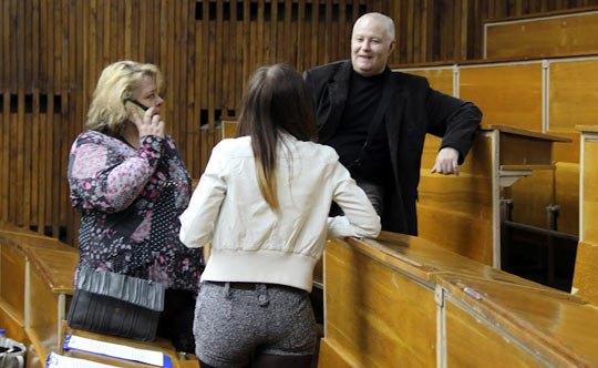 На встречу с однокурсниками народный депутат надела короткие шортики