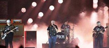 """""""Евровидение 2015"""": Финны с синдромом Дауна устроили панк-представление"""