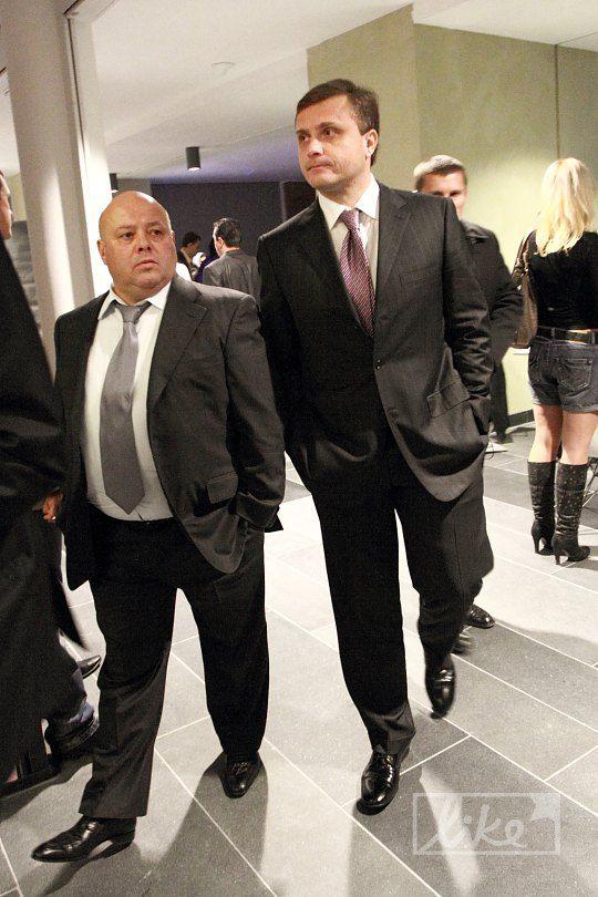 Сергей Левочкин (справа)