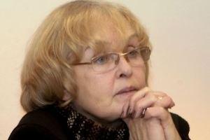 Ада Роговцева призывает людей очистить Майдан
