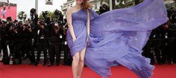Канны-2014: У Джессики Честейн чуть не улетело платье