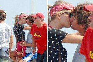 Тейлор Свифт целовалась с потомком Кеннеди