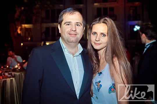 Народный депутат БЮТ Павел Унгурян со спутницей