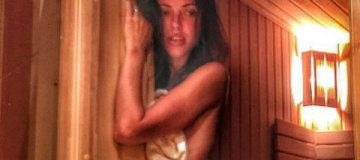 """Действительно жарко: Вика из """"НеАнгелов"""" разделась в бане"""