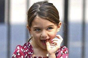 Семилетняя дочь Тома Круза сломала руку