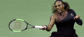 Серена Уильямс сменила лосины на тюлевую юбку после критики ее формы на турнире во Франции