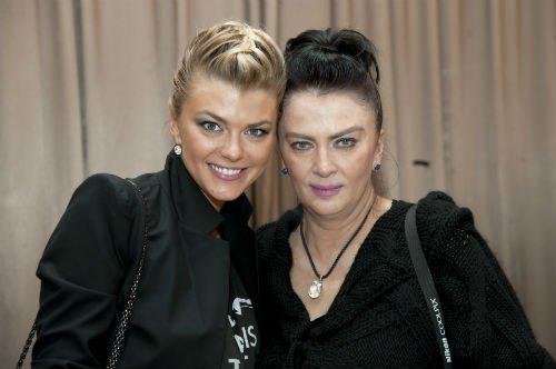 Ирина Блохина (слева) с мамой - Ириной Дерюгиной