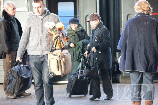 Актриса Лия Ахеджакова рано утром приехала в Киев